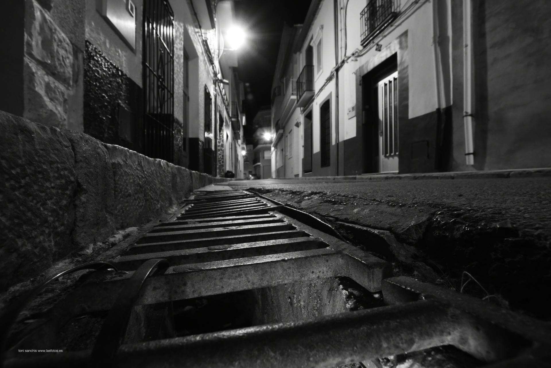 toni-sanchis-nocturna-casco-antiguo